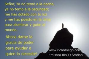 hombres-cima-silueta-monta+¦ismo-subir-cumbres